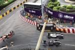 Xe đua F3 bay như tên lửa gây tai nạn khủng khiếp, tay đua nữ tuổi teen may mắn thoát chết
