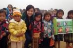 Cô giáo trường Ams đi 200km tặng quà học sinh 20/11
