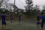 Video: BTC nhầm lẫn khó hiểu, Olympic Việt Nam phải chịu khổ tập trên sân bê tông