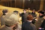 Ảnh: Ông Kim Jong-un tươi cười thăm nhà máy chế biến khoai tây giữa lúc căng thẳng