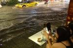 """Hàng chục tuyến đường Sài Gòn ngập nặng, Sở GTVT nói chỉ là """"tụ nước"""""""