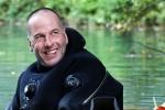 Thợ lặn Anh miêu tả khoảnh khắc phát hiện đội bóng nhí Thái Lan trong hang