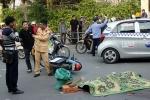 Video: Xe buýt cán nam thanh niên chết tại chỗ ở Hà Nội
