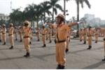 Video: CSGT Thủ đô trổ tài chỉ huy điều lệnh trước thềm APEC 2017