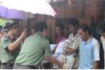 Chiến sỹ công an vượt 500km trao quà cho người dân nghèo Sơn La