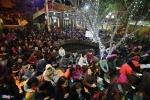 Hàng nghìn người chịu rét ngoài đường làm lễ dâng sao giải hạn