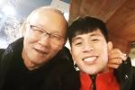 HLV Park Hang Seo đến thăm Đình Trọng, selfie cùng học trò cưng
