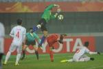 Tung hết bài, HLV U23 Syria thừa nhận bất lực trước U23 Việt Nam