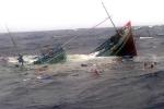 Hàng chục con tàu ở Quảng Bình gặp nạn, ít nhất 9 người chết và mất tích