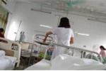 Bị sốt xuất huyết nhưng tưởng nhầm sốt virus, ông bố trẻ suýt mất mạng