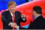 Video: Những khoảnh khắc bắt tay 'không giống ai' của ông Trump