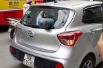 Bình khí 'từ trên trời rơi xuống', xuyên thủng ô tô trên phố Hà Nội: Xử lý thế nào?