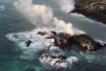 Dòng dung nham khổng lồ của núi lửa Kilauea tạo nên hòn đảo mới ở biển Hawaii