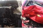 Xe container tông liên hoàn, 3 người may mắn thoát chết