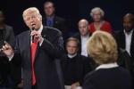 Khán phòng cười ồ khi Donald Trump tự gọi mình là 'quý ông'