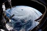 Những hình ảnh đáng sợ của siêu bão Trami đang trên đường lao thẳng vào Nhật Bản