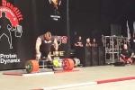 Người đàn ông khỏe nhất nước Anh nâng tạ nửa tấn, lập kỷ lục thế giới