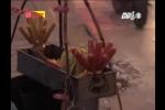 Phía sau những chiếc xúc xích, bánh rán thơm ngon ở đường Láng, Hà Nội