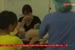 Hàng trăm tảng đá lớn lăn vào nhà, bé trai 3 tuổi bị đè nát 2 chân