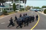 Video, ảnh: Dàn vệ sỹ hùng hậu chạy theo xe chở ông Kim Jong-un quay lại Triều Tiên