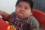 Sốc với cậu bé khổng lồ 10 tháng tuổi nặng tới 30kg