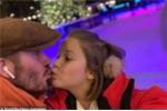 David Beckham gây tranh cãi vì hôn môi con gái 7 tuổi