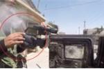 Lính bắn tỉa IS nã đạn trúng camera, phóng viên thoát chết trong gang tấc