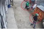 Thanh niên mặc áo GrabBike chở bạn đi trộm xe, chủ nhà lao ra truy đuổi không thành