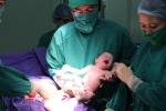 Quảng Ninh: 2 bé trai sinh đôi đầu tiên ra đời nhờ thụ tinh trong ống nghiệm