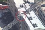 Video: Cần cẩu sập đè nát chung cư cao tầng, 1 người chết thảm