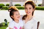 Diện đồ đôi đáng yêu như mẹ con Jennifer Phạm
