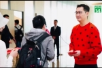 Nhân viên xếp hàng 12 giờ để nhận lì xì từ tỷ phú giàu thứ hai Trung Quốc