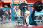 'Cụ ông 84 tuổi' nâng tạ gần 250kg khiến trai trẻ kinh ngạc