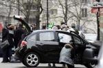 Video: Các tay súng bịt mặt tấn công tòa soạn tạp chí Pháp