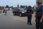 Cảnh sát bắt một xe tải chở đầy ma tuý ở Sài Gòn