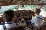 Làm thế nào khi phi công đột tử lúc đang bay?