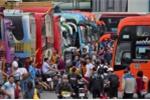 Video: Bến xe đông nghịt người, đường phố Hà Nội ùn tắc kéo dài trước kỳ nghỉ lễ