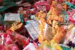 Video: Thu giữ gần 2.000 bánh trung thu siêu rẻ nhãn mác Trung Quốc