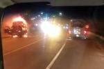 Xe tải bốc cháy dữ dội ở đường dẫn vào hầm Hải Vân
