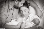 Người mẹ chết lặng khi mất 2 bé song sinh cùng lúc ngay trước ngày lên bàn đẻ