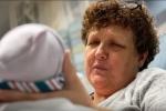 Kỳ lạ: Mãn kinh gần 1 năm, người phụ nữ 50 tuổi vẫn sinh con
