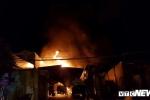 Cháy bãi xe bồn chở xăng ở Khánh Hoà