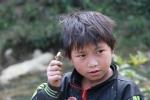 Cuốc bộ khám phá bản đói nghèo nhất ở địa đầu Tổ quốc