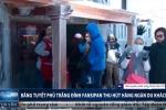 Video: Đỉnh Fansipan phủ trắng băng tuyết hút khách du lịch