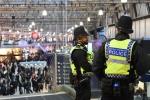 Hàng loạt sân bay và nhà ga ở Anh nhận được bưu kiện chứa bom