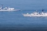 Video: Hộ vệ hạm Nga rượt tàu sân bay Mỹ trên Địa Trung Hải