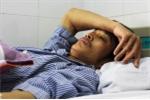 Tài xế bị đánh phun máu được chuyển lên Bệnh viện Việt Đức điều trị
