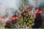 Ảnh, video: Động đất gần núi lửa đang phun trào khiến 10.000 người phải sơ tán khẩn
