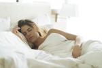 Tác dụng bất ngờ của tư thế ngủ nghiêng ít người biết
