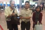 Khách nước ngoài bỏ quên hơn 17.000 USD ở sân bay Tân Sơn Nhất